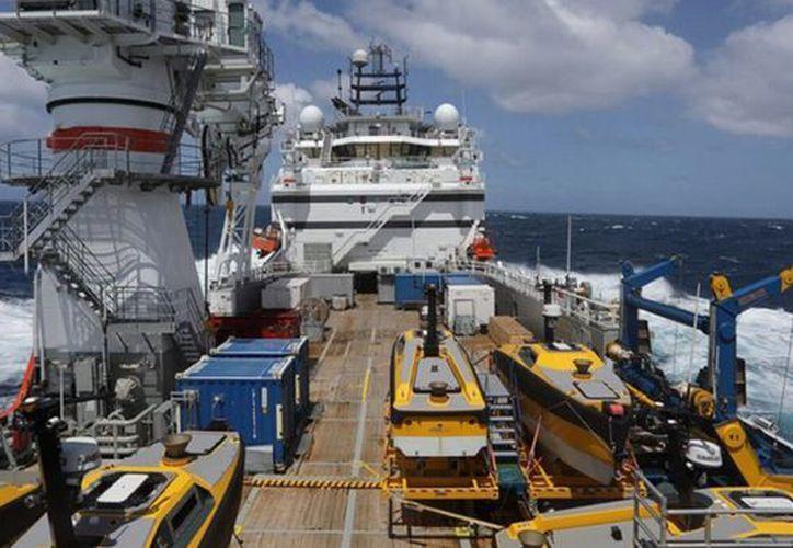 El sumergible, de más de 2 mil toneladas de peso, está atrapado en el lecho marino del Atlántico Sur a 900 metros de profundidad. (Foto: Internet)