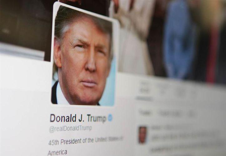 Por orden de un juez, Donald Trump no debería poder bloquear a los usuarios que le escriben en Twitter. (Foto: WTHR)