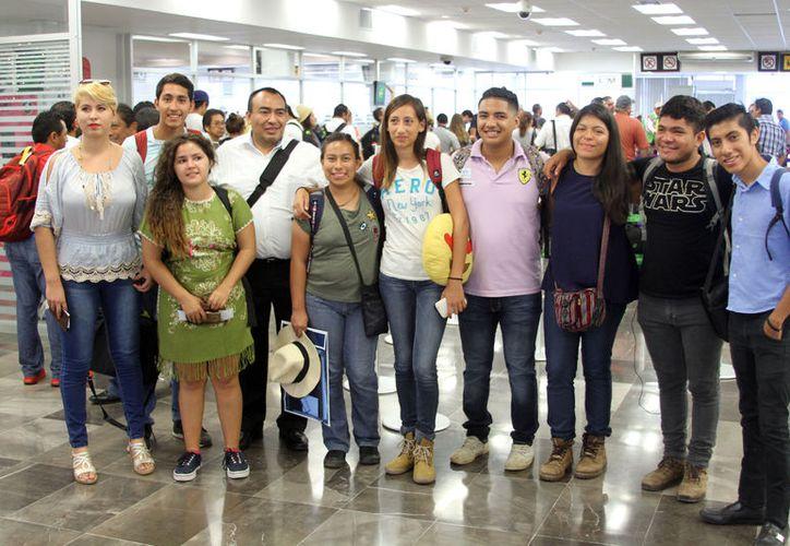 Recibieron una beca de 300 dólares mensuales durante el tiempo de su estadía. (Joel Zamora/SIPSE)