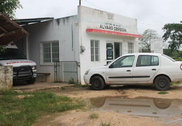 Los pobladores afirman que la falta de medicamentos pone en peligro la vida de las personas que no tienen dinero para comprarlas. (Carlos Castillo/SIPSE)