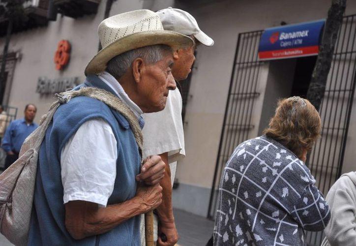 La baja tasa de reemplazo hace muy vulnerable al segmento de adultos mayores. (Noticias MVS)