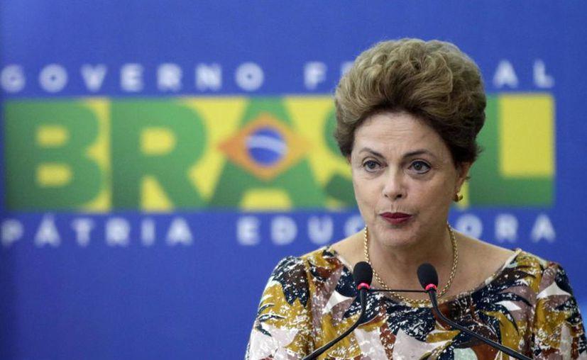 Dilma Rousseff inicia 2016 encarando un posible juicio político. (EFE)