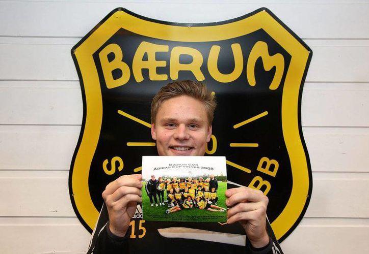 """Simen Juklerød, centrocampista del club Baerum SK, fue expulsado  tras haber calificado como """"homosexual"""" a un jugador del equipo rival. (Foto: baerumsk.no)"""