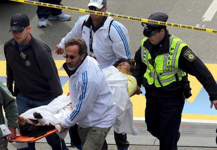 Hasta el momento se registran dos muertos y una veintena de heridos. (Agencias)