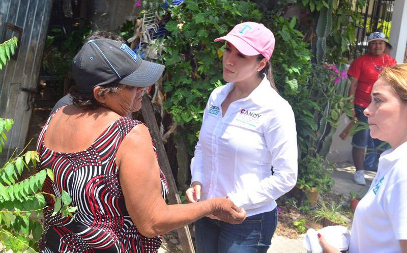 La candidata indicó que la pobreza es la causa de que en México y en el Estado se genere desempleo. (Foto: Redacción)