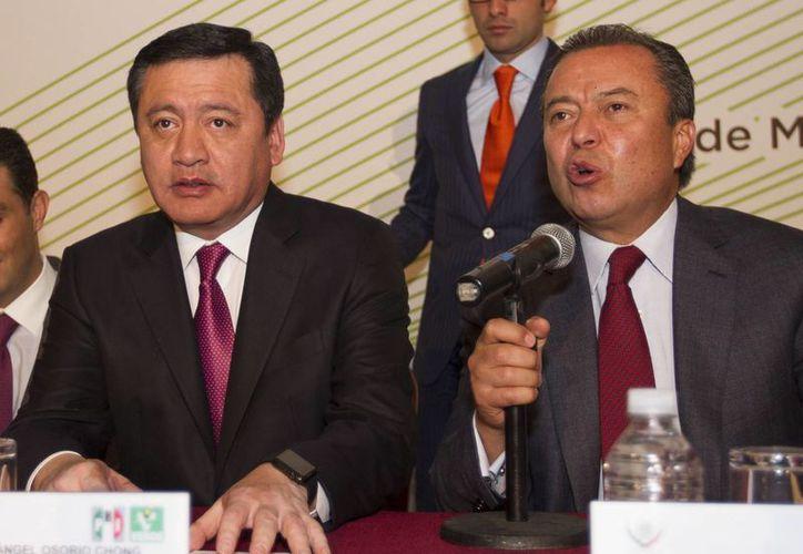 Osorio Chong participó en la reunión plenaria de diputados del PRI y el Verde Ecologista en la Ciudad de México. (Notimex)