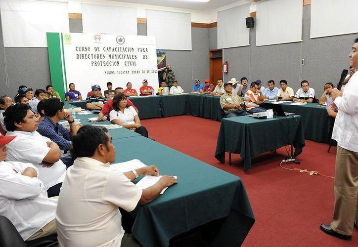Secretaría de Gobernación imparte curso-taller a comités de Protección Civil de Yucatán. (Cortesía)