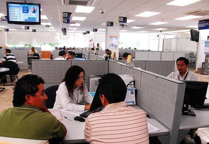 El SAT ha digitalizado muchos de sus trámites por lo que menos personas tienen la necesidad de acudir a las oficinas. (Milenio Novedades)