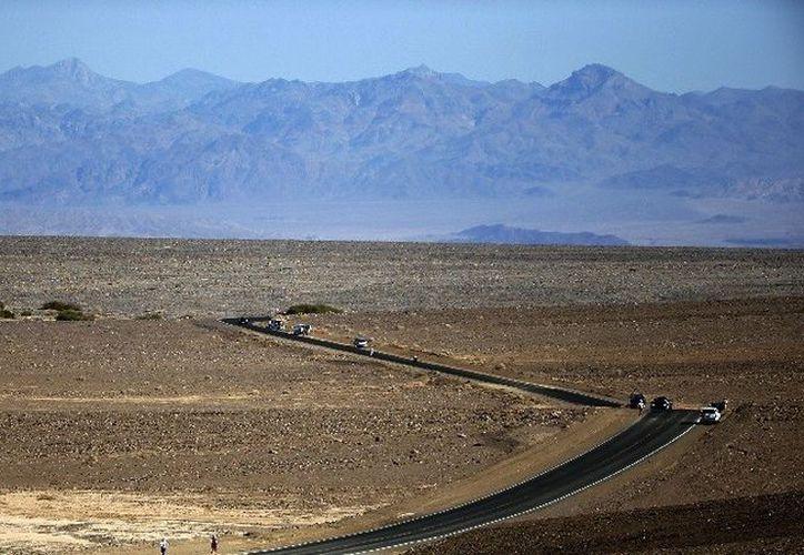 Las constantes lluvias cambiaron el paisaje del famoso desierto. (Reuters)
