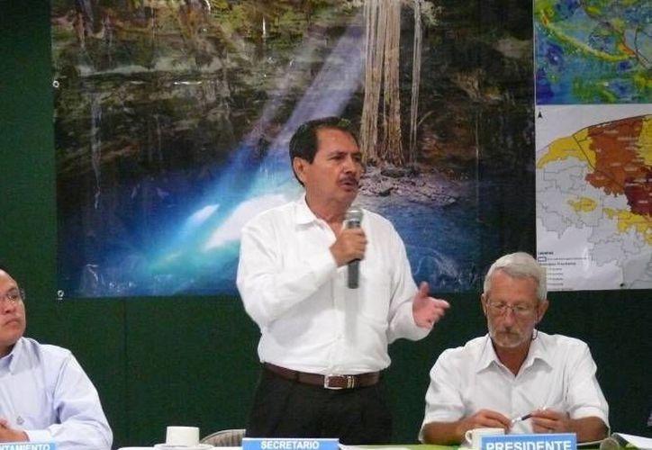Roberto Pinzón, titular de la Conagua en Yucatán, dijo que con la maquinaria del Centro Regional de Atención a Emergencias se puede atender a toda la Península de Yucatán. (Foto de archivo de SIPSE)