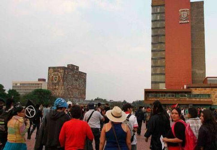 Las nuevas reglas de ingreso y permanencia en el bachillerato y la licenciatura de la UNAM fueron aprobadas en 1997 por el Consejo Universitario. (Foto: ww.tvazteca.com)