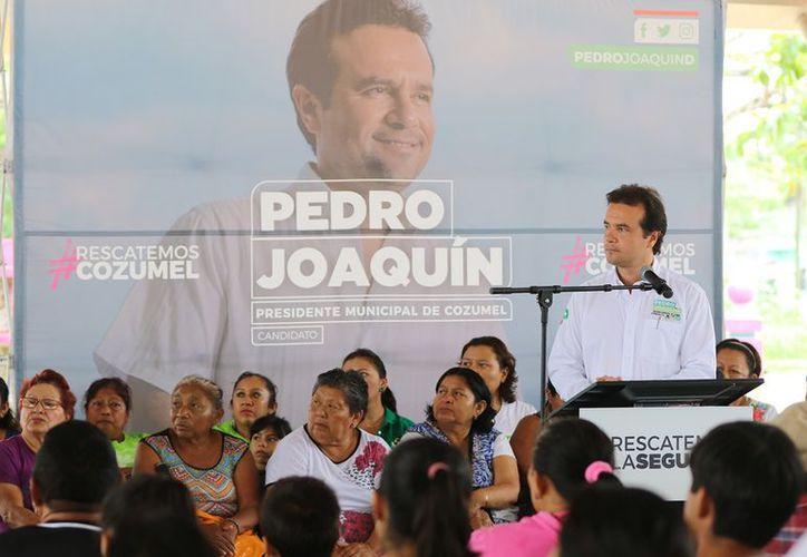 """""""Dignificaremos la labor de los elementos de la corporación policíaca"""", afirmó el candidato Pedro Joaquín. (Redacción/SIPSE)"""