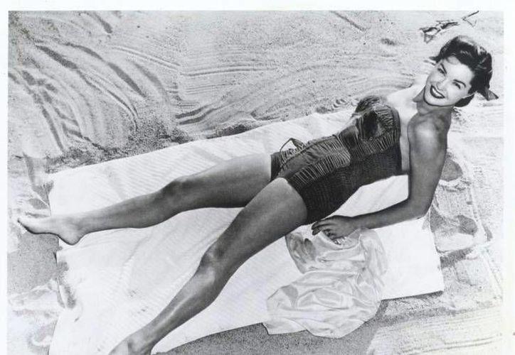 Esther Williams actuó junto a Gene Kelly, Frank Sinatra y el mexicano Ricardo Montalbán, entre otros.  (woodyboater.com/Archivo)