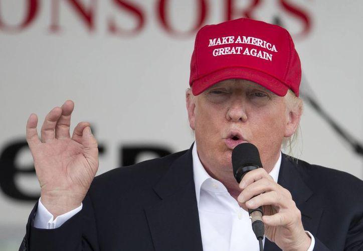 Donald Trump hablando ante un club de motociclistas en el paseo de los monumentos en Washington DC. (Agencias)