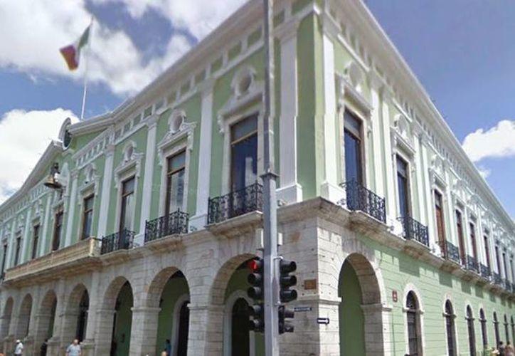 El Gobernador de Yucatán, Rolando Zapata Bello, designó a Jorge Sobrino Argáez como director General del Colegio Nacional de Educación Profesional Técnica (Conalep), además de otros 24 nombramientos. Imagen de contexto del Palacio de Gobierno. (Archivo/Milenio Novedades)