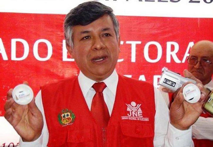 Reeligen por sorteo a alcalde de Santa Bárbara de Carhuacayán en Junín, Peru. Foto del ganador, Roque Alejandro Contreras Fraga. (Foto tomada de peru.com)