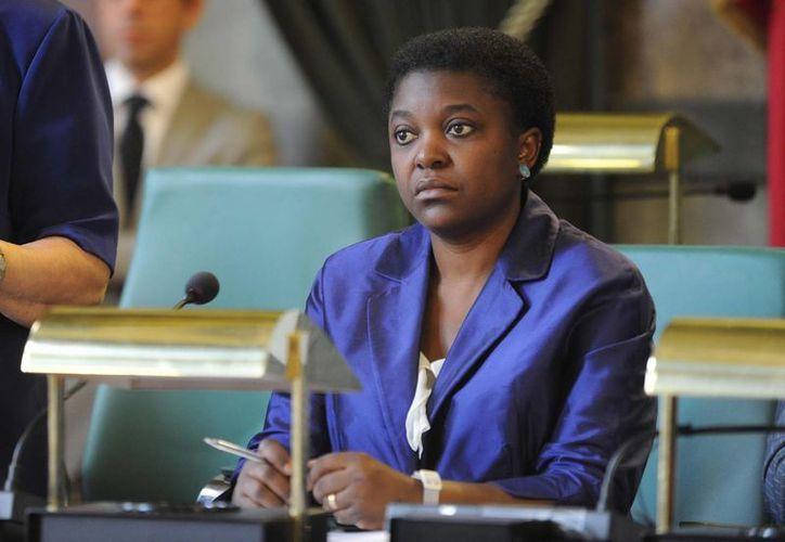 """Cecile Kyenge llamó al ataque """"triste"""" y un desperdicio de alimentos. (Aechivo/EFE)"""