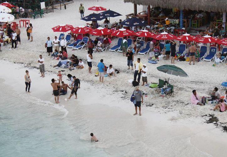 Esperan que la actividad en las playas aumente en los próximos días. (Israel Leal/SIPSE)