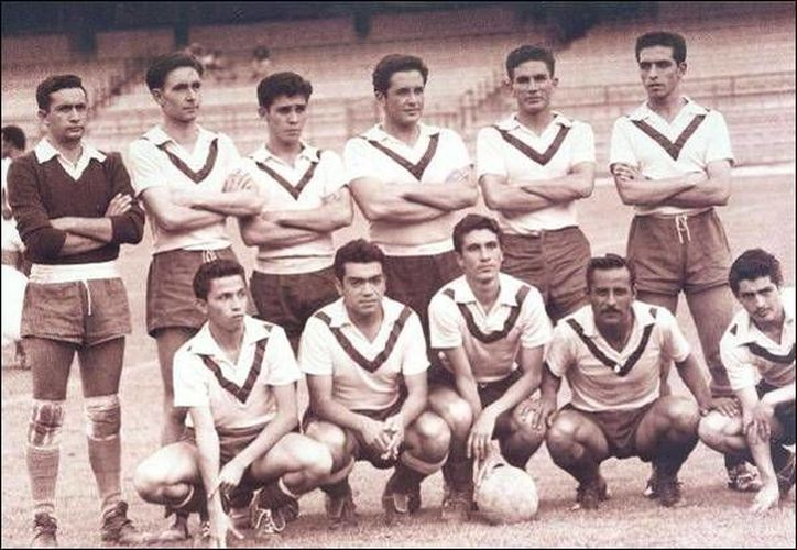 Este es el cuadro de los Pumas de la UNAM de la temporada 1954-55. (.melancholiaborealis.ca)