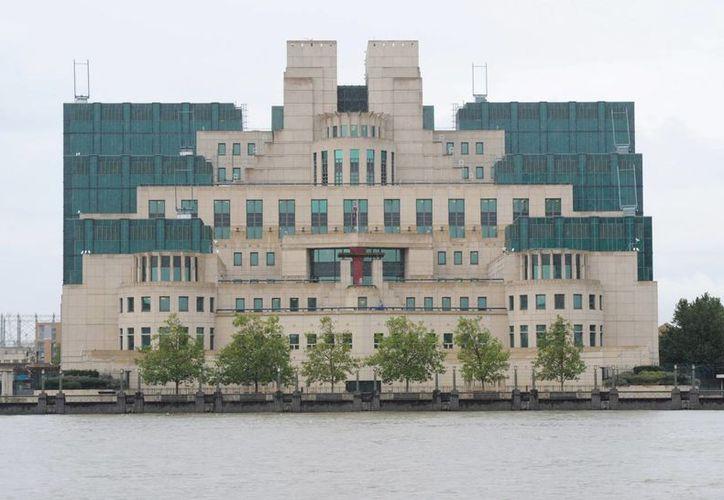 Fotografía cedida de una vista general de la sede central del Servicio secreto británico, más conocido como MI6, en Londres. (EFE)