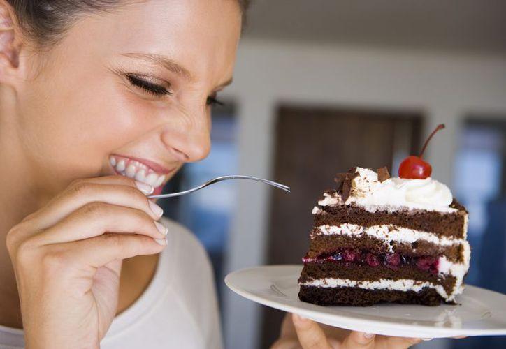 Esconder los alimentos dulces te ayudará a evitar las tentaciones. (Foto: Contexto/Internet)