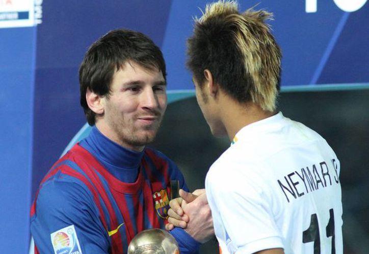 Messi se enfrenó a Neymar en diciembre pasado en duelo dentro del Mundial de Clubes donde venció Barcelona 4-0. (fotos-top.com/Archivo)