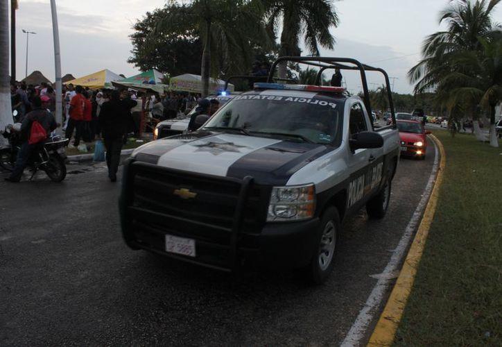 Como parte del operativo fueron instalados puntos de revisión para verificar el estado de los conductores. (Francisco Sansores/SIPSE)