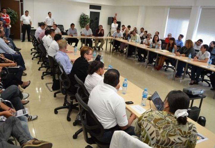 El secretario estatal de Salud inauguró la sesión de trabajo del Consejo Estatal para la Prevención y Control del Síndrome de Inmunodeficiencia Adquirida (COESIDA). (Cortesía/SIPSE)