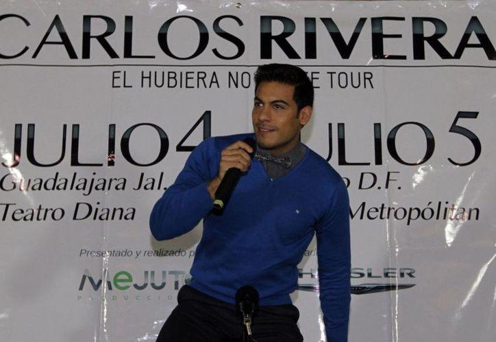 El público del Metropólitan se deleitó con los temas del cantante Carlos Rivera. En la imagen, el cantante en evento de promoción del concierto. (Notimex)