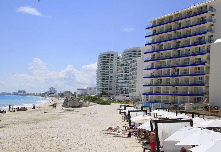 Los hoteles de la asociación pagan 3% de hospedaje e impuestos. (Tomás Álvarez/SIPSE)