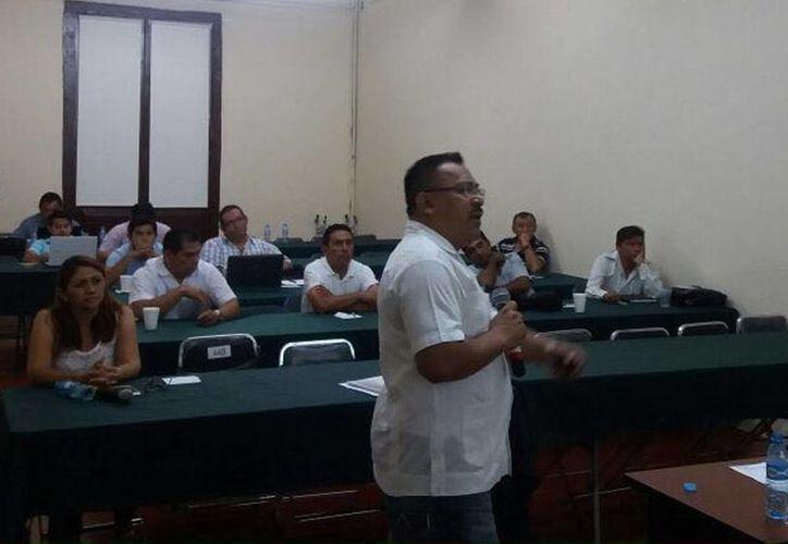 Enseñan a los presidentes municipales de Yucatán a cómo rendir su primer informe de Gobierno. (Milenio Novedades)