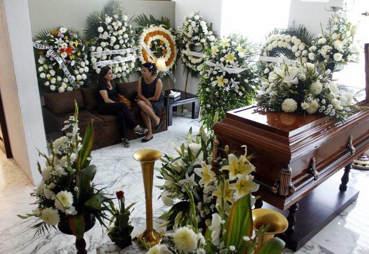 Las funerarias ofrecen diversos paquetes, que van desde los cinco mil pesos, hasta los $80 mil. (Sergio Orozco/SIPSE)