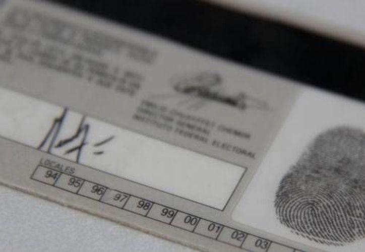 La producción del nuevo formato de las credenciales arrancará este mes. (Archivo/SIPSE)