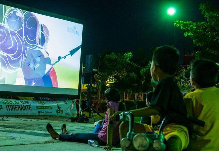 El Cine Club creó el proyecto 'Mundos Posibles' para que los menores plasmen sus ideas sobre un mundo mejor. (Octavio Martínez/SIPSE)