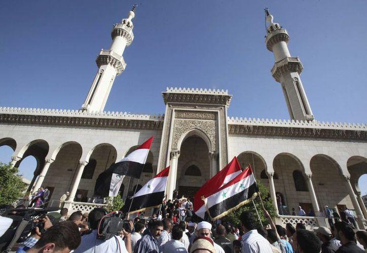 Manifestación ante una mezquita en Damasco, Siria. (EFE/Archivo)