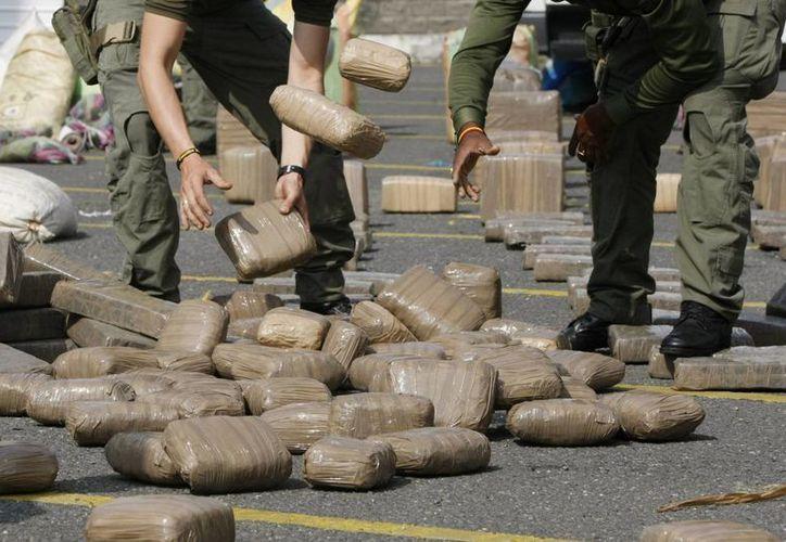 La droga decomisada en una embarcación en el Pacífico tiene un valor de 17 millones de dólares. (Archivo/EFE)
