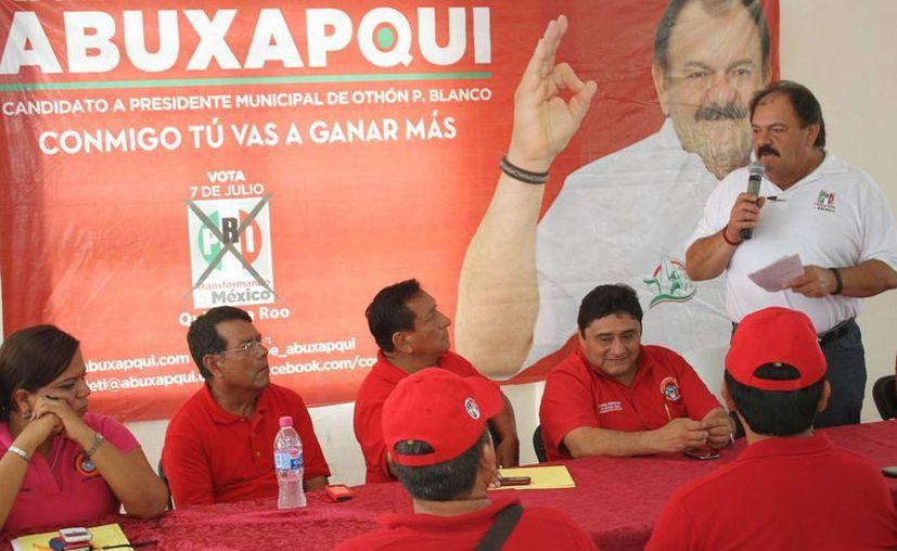 Eduardo Espinosa Abuxapqui se comprometió con los afiliados a la CTM. (Harold Alcocer/SIPSE)