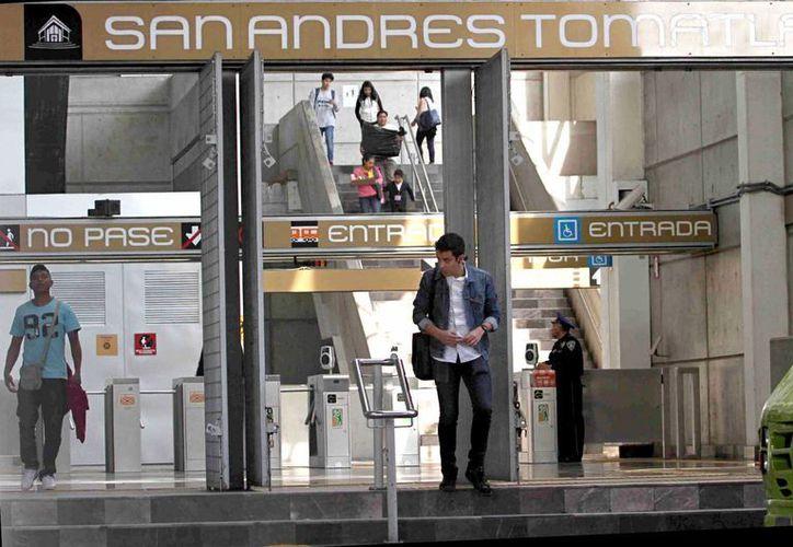La llamada Línea Dorada del Metro de la Ciudad de México contará con dos nuevas estaciones, que estarían operando en septiembre de 2017. (Archivo/Notimex)