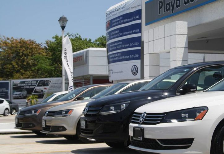 Son mínimas las solicitudes de crédito que rechazan las agencias de autos.  (Octavio Martínez/SIPSE)