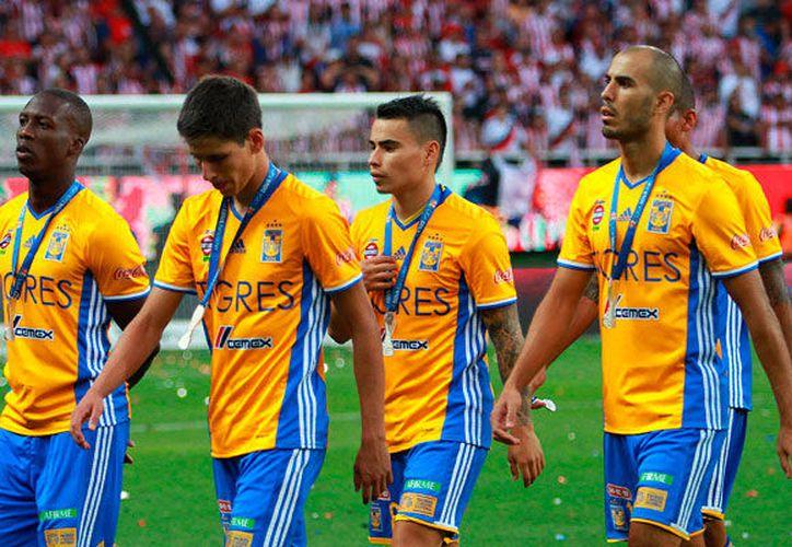 Los jugadores de Tigres tuvieron un comportamiento inadecuado en la entrega de medallas. (Foto: Contexto/Internet)
