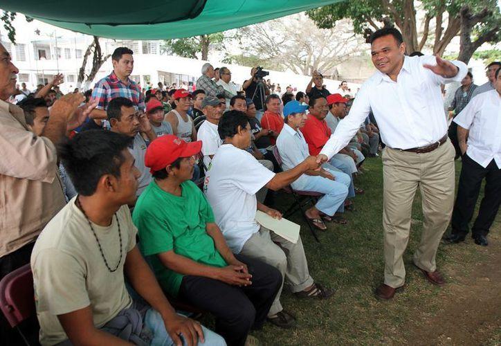 Zapata Bello inicia el 2013 con un renovado gabinete. (SIPSE)