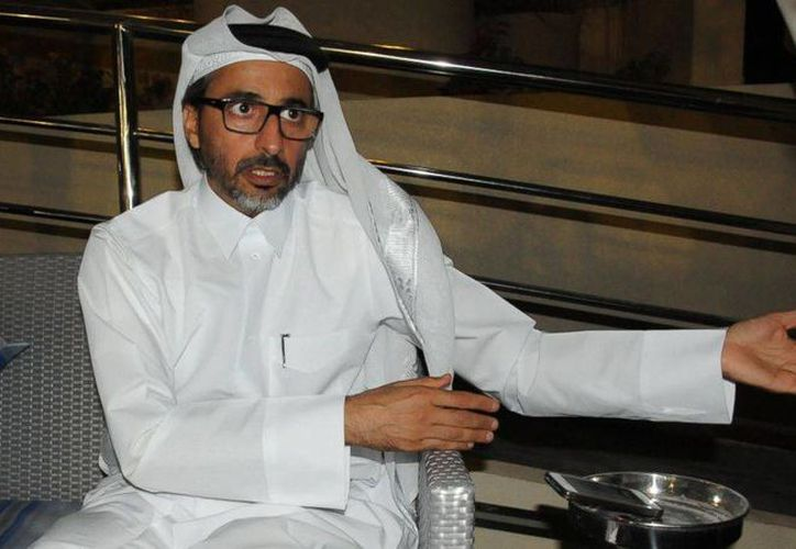 """El ministro de deportes de Qatar, Salah bin Ghanem bin Nasser al-Ali, habla con The Associated Press en Doha. Afirmó que la Copa Mundial del 2022 será un acontecimiento deportivo """"casi imposible de superar"""". (Agencias)"""
