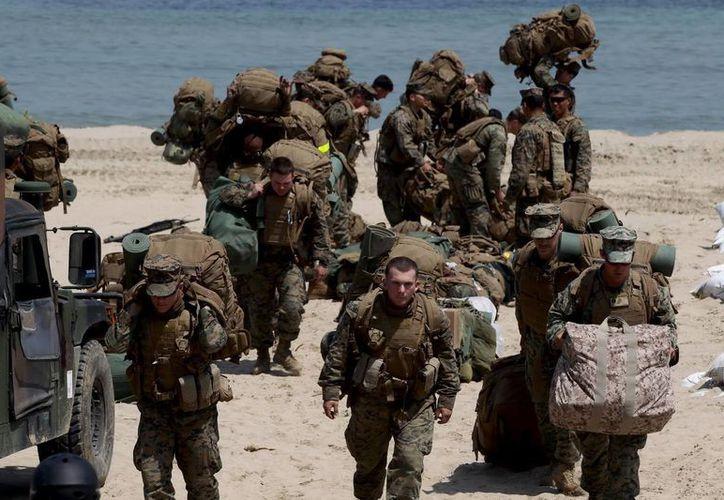 Marines estadounidenses participan en las maniobras conjuntas con Corea del Sur ante las últimas amenazas de Corea del Norte en Pohang, Corea del Sur. (EFE)