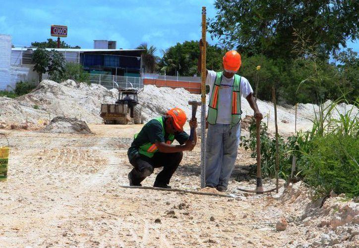Hace un par de semanas comenzaron las obras de construcción de la ampliación de la avenida Maxuxac. (Ángel Castilla/ SIPSE)