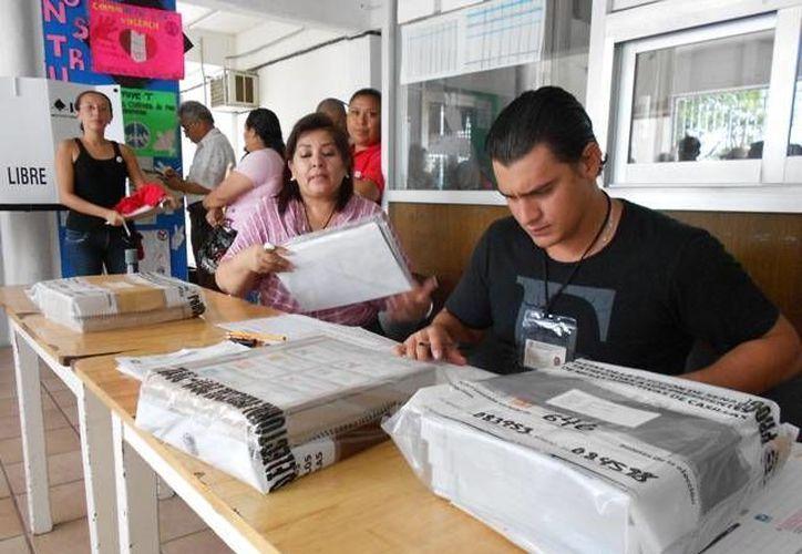 Los organismos electorales nacieron de la desconfianza de la ciudadanía. (Harold Alcocer/SIPSE)