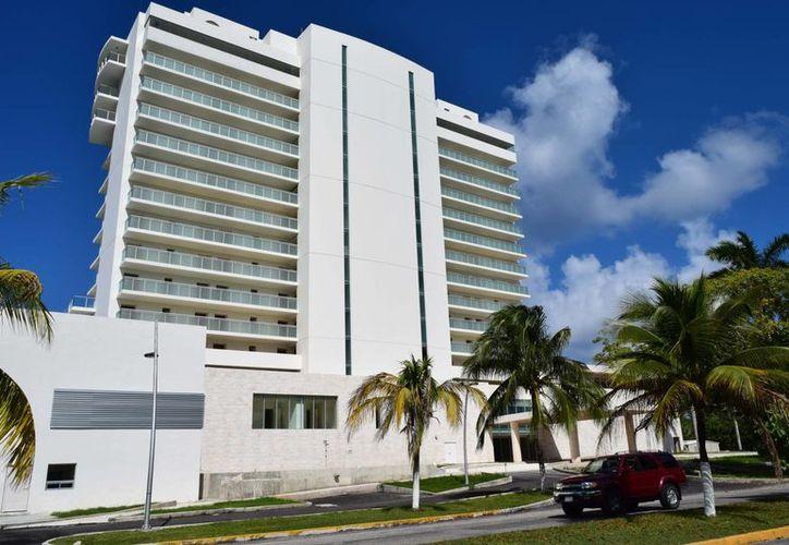 El proyecto también sufrió una adecuación para incluir un centro de convenciones que no se contempló en el proyecto original. (Gustavo Villegas/SIPSE)