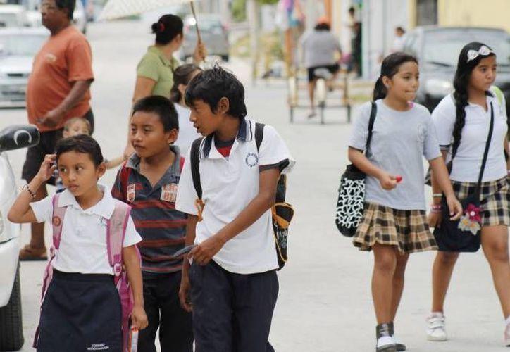 La matrícula de educación básica esta compuesta por poco más de 430 mil estudiantes desde preescolar y hasta secundarias. (Archivo/SIPSE)
