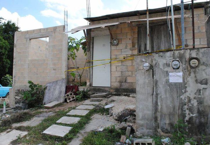 Los vecinos encontraron a la joven sin vida dentro de la casa. (Redacción/SIPSE)