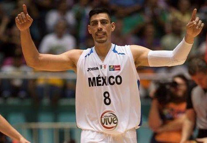La gente aplaudía en todo momento al ídolo local Gustavo Ayón en el partido en el que México ganó a Islas Vírgenes en el torneo Centrobasket. (Foto: Milenio)