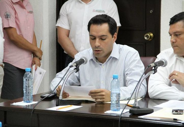 El diputado Mauricio Vila Dosal durante la sesión de comisiones. (Cortesía)